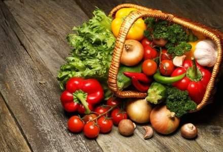 Senat: Magazinele sa vanda 51% carne, legume si fructe din productie romaneasca