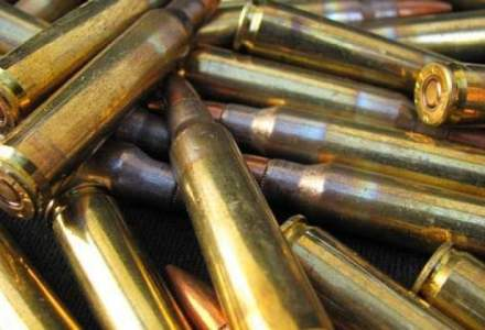 Companiile romanesti au comenzi de munitie si armament de 215 mil. dolari, iar exporturile cresc cu 32%