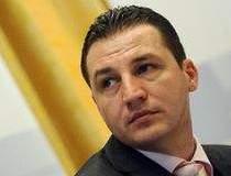 Petrica Usurelu a negociat 6...