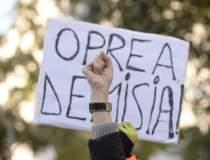Jos Oprea! Manifestantii cer...