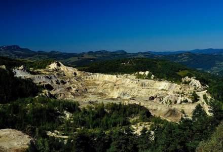 Nepot al edilului din Rosia Montana si alti 15 suspecti, retinuti pentru exploatari ilegale de aur