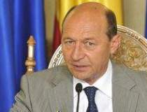 Basescu iese din nou la...