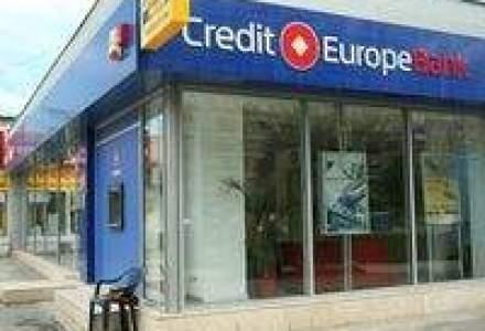 200 de persoane s-au adunat in fata sucursalei Credit Europe Bank din Brasov
