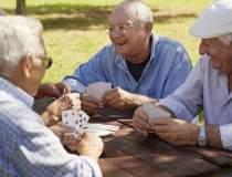 In ce tin banii de pensii ai...