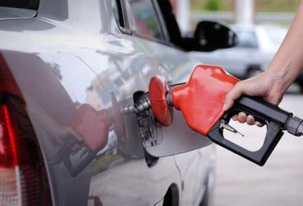Saxo Bank: Petrolul nu mai creste in 2015. Barilul ajunge la 65$ abia in 2015