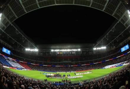 Gest de solidaritate pe stadionul Wembley: peste 70.000 de oameni au cantat La Marseillaise, in memoria victimelor atentatelor de la Paris