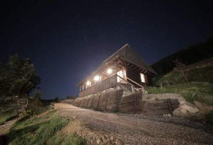 Un proiect uimitor: casute vechi de 150 de ani transformate intr-un sat de vacanta