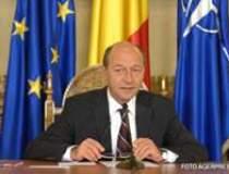 Basescu cere austeritate in...