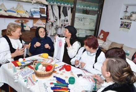 """Alina Zara, antreprenoarea care a reinventat sezatoarea si vinde produse """"chic"""" facute intr-un sat de la munte"""