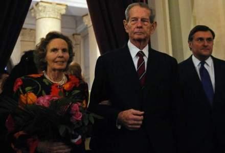 Regele Mihai I si Regina Ana petrec sarbatorile de iarna in Elvetia; Regina s-a insanatosit