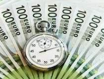 EIU: Economia va scadea cu...