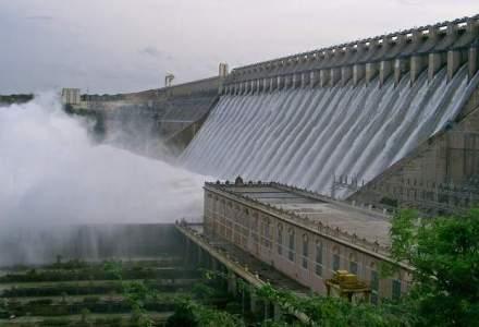 ANRE: Pretul reglementat de productie creste cu 5,5% la energia hidro si cu 2,5% la energia nucleara