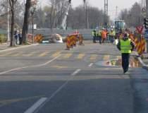 Persoanele evacuate din zona...