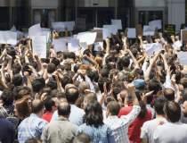 Fosti militari protesteaza in...