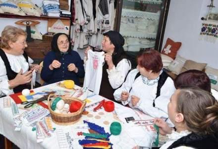 Povestea Alinei Zara, antreprenoarea care ajuta batranele de 80-90 de ani sa isi suplimenteze veniturile prin vanzarea de tricouri chic