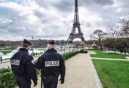 Un barbat a incercat sa loveasca patru militari francezi cu o masina, in fata unei moschei din sud-estul Frantei