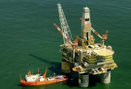 Pretul petrolului Brent a coborat joi cu pana la 6%, din cauza turbulentelor financiare din China