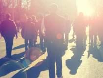 Mii de persoane au protestat...