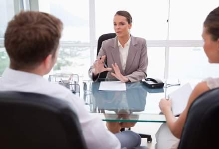 Expert in negociere: Femeile ar putea castiga cat barbatii, insa se jeneaza sa isi negocieze bine salariul