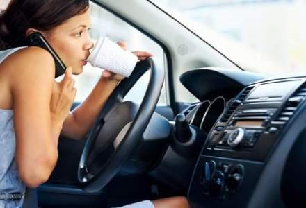 Suntem dependenti de smartphone: 70% dintre soferi vorbesc la volan