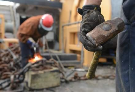 O statistica neagra: Mii de muncitori isi vor pierde viata pana la finalizarea constructiei arenelor de fotbal pentru CM 2022 din Qatar