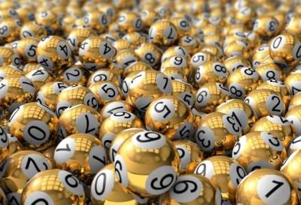 Cel mai mare premiu din istoria loteriei SUA, in valoare de 1,5 mld dolari, are trei castigatori