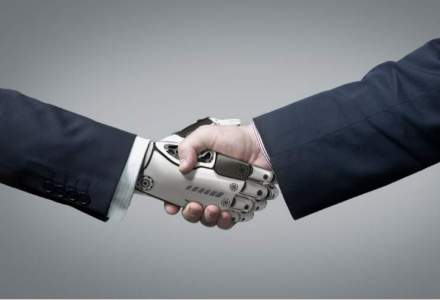 Davos: Medicii si avocatii ar putea fi inlocuiti de roboti
