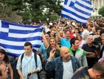 Proteste la Atena: de ce sunt...