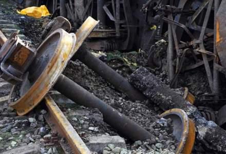Un tren a deraiat in Salaj: zece vagoane cu sare au cazut de pe sine