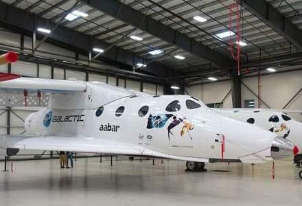 Nou avion spatial care ar putea transporta turisti pe orbita, prezentat de compania Virgin Galactic