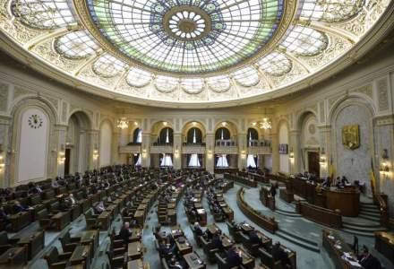 Scandal in plenul Camerei din cauza propunerii PSD de reluare a votului prin ridicarea de mana