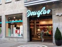 Douglas pregateste intrarea...