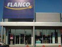 Flanco deschide 2 magazine in...
