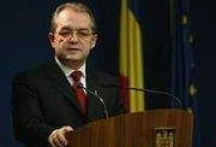 Boc le-a spus parlamentarilor puterii ca salariul minim pe economie va fi de 670 de lei