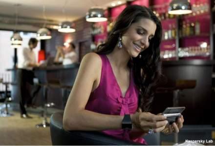 Femeile tin mai mult la fotografiile de pe telefon, decat la dispozitivul in sine