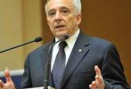 Isarescu: Nu bancile s-au imprumutat ca sa indatoreze Romania, s-au imprumutat romanii