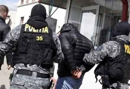 Liviu Tudose, un fost sef al Politiei Prahova si un fost sef al DGA Prahova, adusi cu mandat la DNA