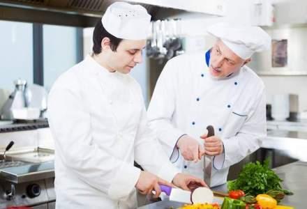 Munca in strainatate: cum poti obtine un job de bucatar, asistenta sau vopsitor