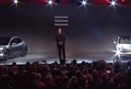 Tesla a prezentat Model 3, o masina 100% electrica care costa de la 35.000 de dolari