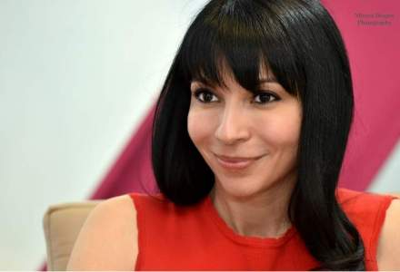 Leadership la feminin: Povestea romancei care conduce business-ul Avon in 17 tari