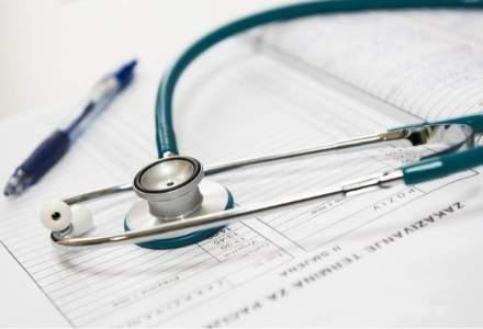 In jur de 200 de medici au protestat de Ziua Mondiala a Sanatatii, in fata Ministerului