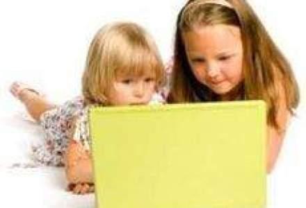 Studiu: 50% dintre romani cred ca laptopul este mai distractiv decat telefonul ori televizorul
