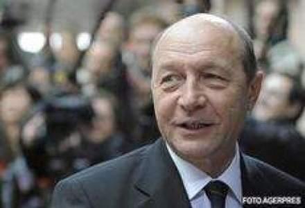 """Basescu, catre ministri: Sa nu cadeti in """"plasa"""" lui Vladescu cu China"""