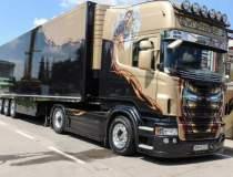 Expozitie de camioane si...