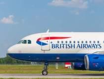 Avion de pasageri lovit de o...