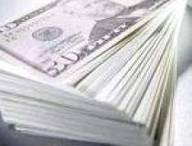 Dolarul urca la maximul...
