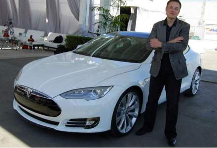 CV-ul sefului Tesla iti dovedeste ca nu ai nevoie de mai mult de o pagina