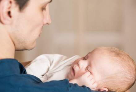Legea concediului pentru cresterea copilului: ce se intampla cu luna libera alocata tatilor