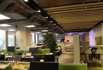 Cum arata birourile in care toate materialele folosite la constructie se imbina: in vizita la sediul Skanska din nordul Capitalei