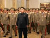 Coreea de Nord: Kim Jong-un...